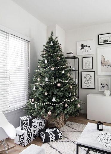 Rustic farmhouse Christmas tree decorating idea