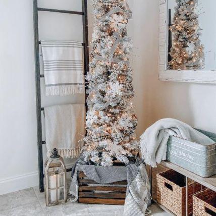 Rustic farmhouse Christmas tree decoration