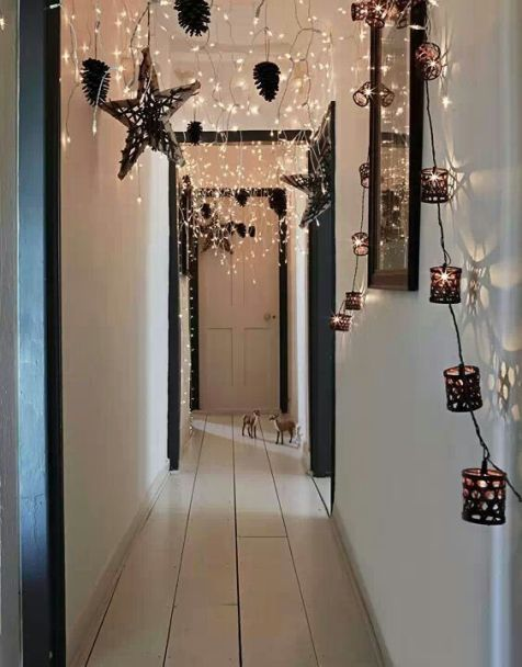 Simple Christmas decoration for the hallway. Farmhouse Christmas tree Decorations