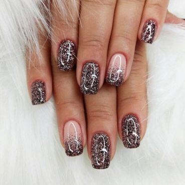 Simple winter nails design