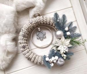 Warm grey crochet Christmas wreath, Christmas wreath front door,Farmhouse Christmas,Holiday decor,Modern Christmas,Front Door  Wall Wreath