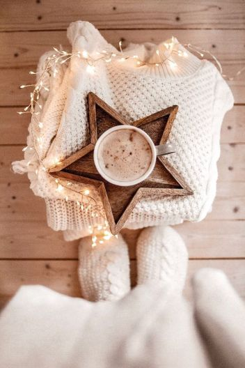 Wood star tray for coffee or jewelleries