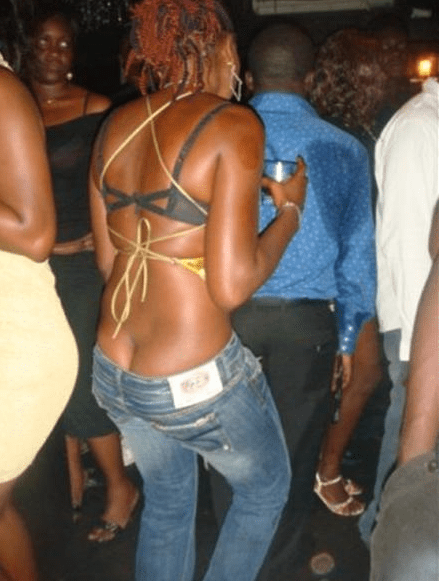 Hoodlums harass girl for indecent dressing in Lagos Market