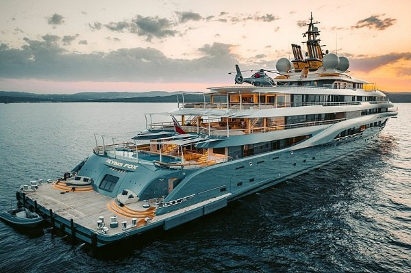 See The ₦145b Flying Fox Mega Yacht Rumored To Be Owned By World's Richest Man