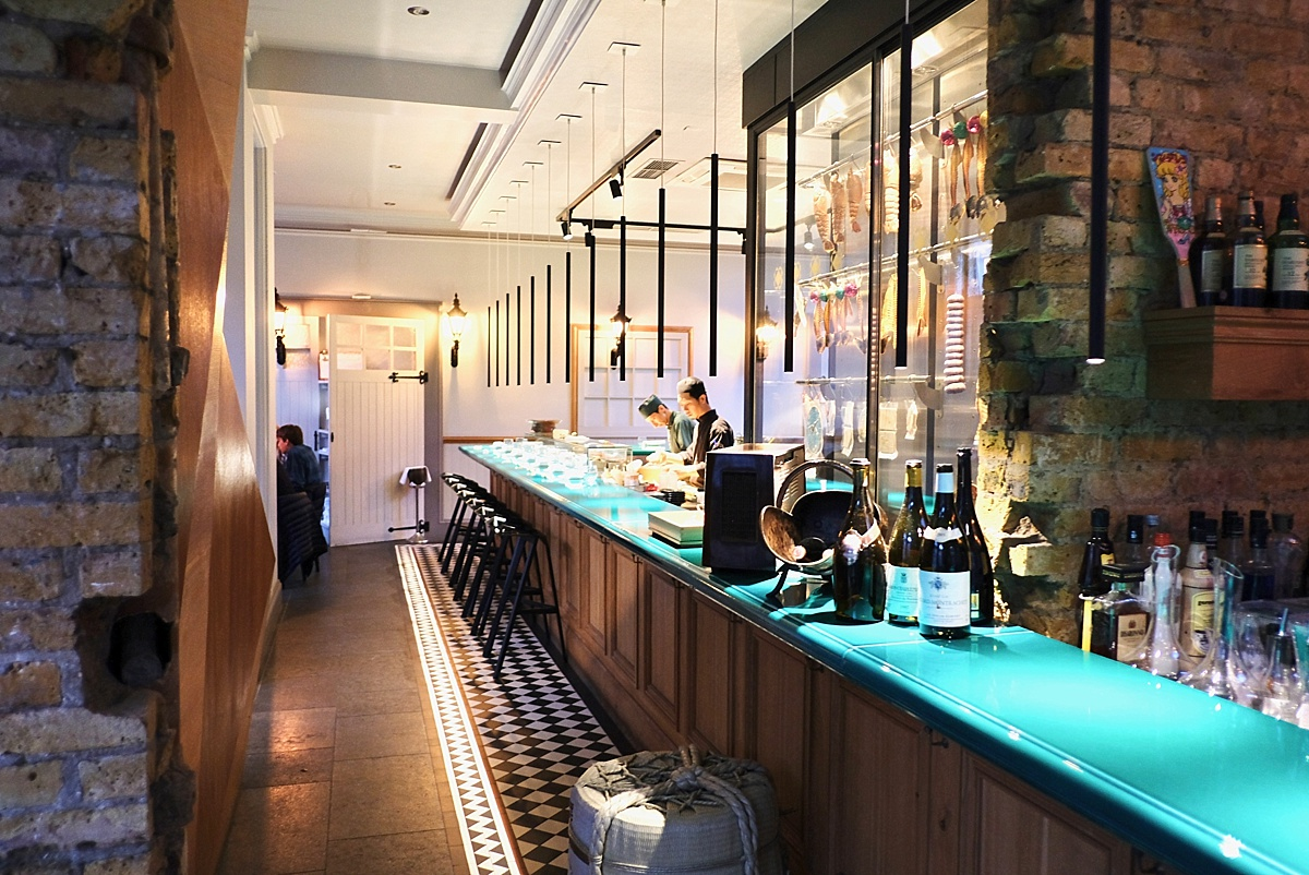 Yashin Ocean South Kensington- Yashin Ocean House London- Sushi without soy suace? Guest post by Lara Olivia Miss Portmanteau - Club Elsewhere- The world's travel diary - Rosie Bell Editor & travel writer - sushi omakase - London South Kensington Restaurants