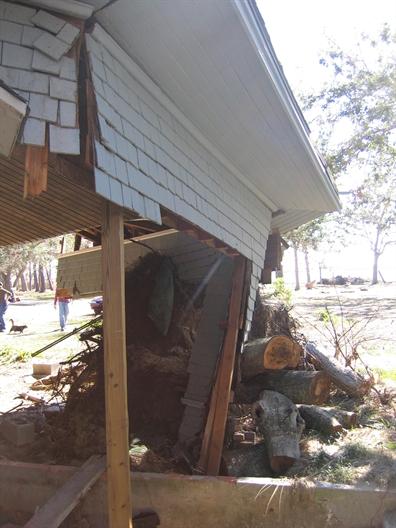 CharnleyNorwood Guest House. Ocean Springs Jackson County. MDAH 11-30-2005 from MDAH HRI db accessed 8-24-2014