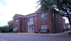 Fritsche-Gibbs Hall (1929, Vinson B. Smith, Jr., archt.) Photo by Jennifer Baughn, MDAH, 5-23-2008.