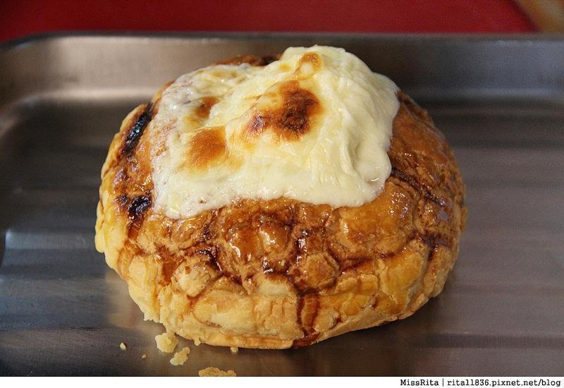 台中一中街好吃 一中麵包彈 義麵焗烤法國球 一中街美食24