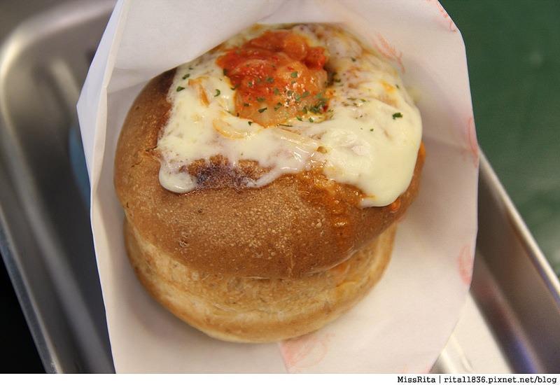台中一中街好吃 一中麵包彈 義麵焗烤法國球 一中街美食12
