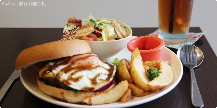 Burger Bus 漢堡巴士 旱溪美食 台中早午餐 台中漢堡 台中英式餐廳 Burger Bus 英國開車玩一圈 台中推薦早午餐0-