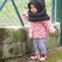 Capa con capucha para niña: patrón gratis.