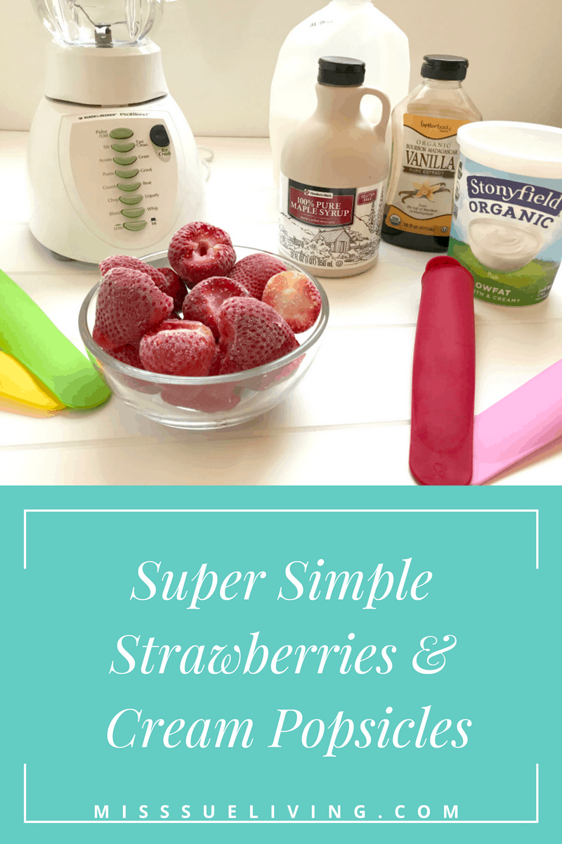 Super Simple Strawberries and Cream Popsicles. Only 5 Ingredients! Strawberry, popsicle, clean eating