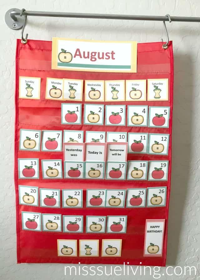 Easy DIY Calendar Pocket Chart: Apple Theme, calendar cards, apples, preschool printable, DIY Calendar