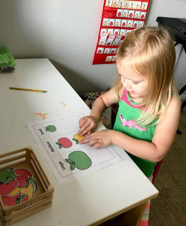 The Best Apple Themed Books For Kids, apple theme, apple books, preschool apple theme, apple unit, apple size sorting