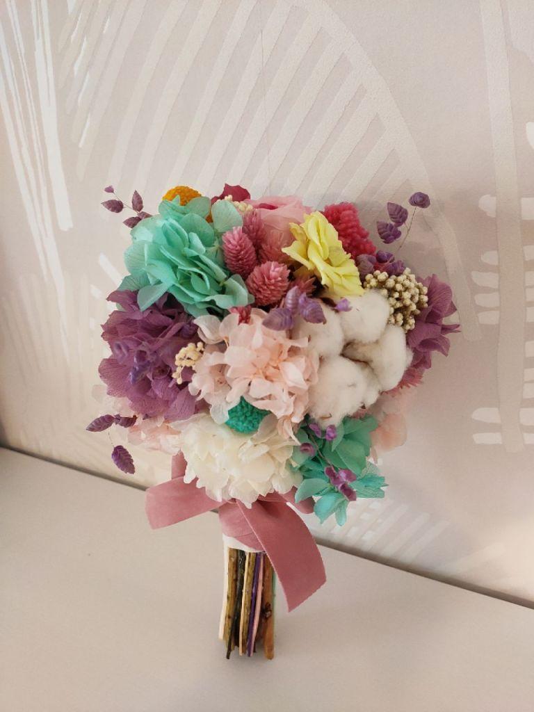 Ramo de novia Sugar flores preservadas en tonos pastel