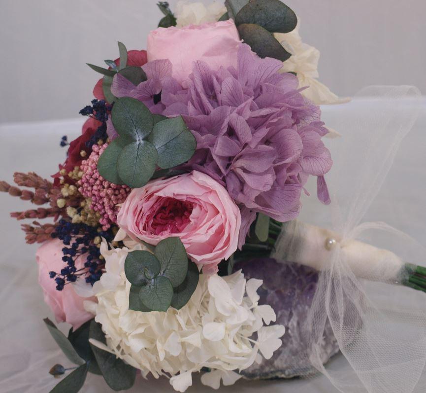 Ramo de novia flores preservadas Lily Rose 4