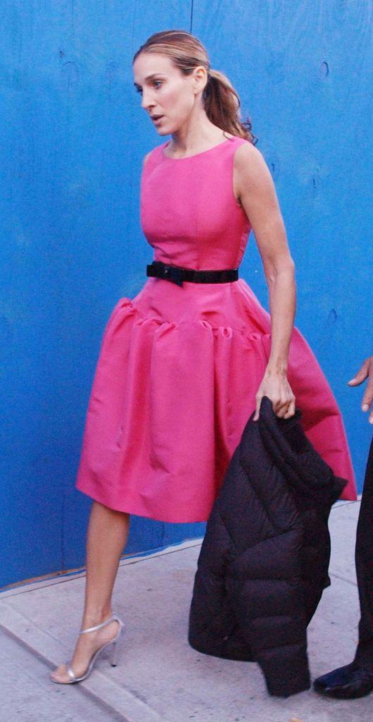 Carrie Bradshaw Oscar de la Renta pink dress