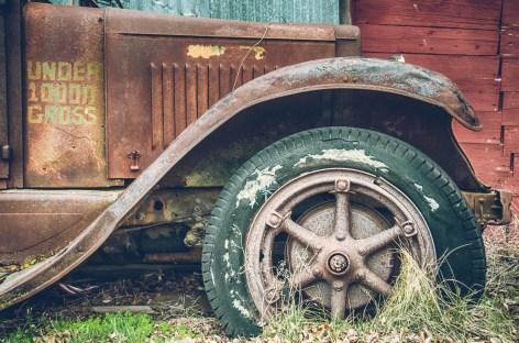 Old car in Shaniko, OR