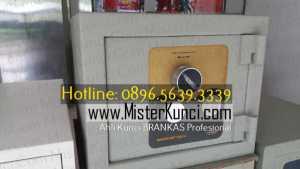 Ahli Kunci Brankas Panggilan Profesional Terpercaya di Jambu, Semarang hubungi 0896-5639-3339