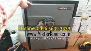 Tukang Kunci Brangkas Panggilan Profesional Terpercaya di Karangjati, Bergas, Semarang hubungi 0896-5639-3339