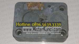 Ahli Kunci Brangkas Panggilan di Slawi, Jawa Tengah hubungi 0896-5639-3339