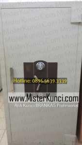 Jasa Ahli Kunci Lemari Besi Panggilan di Terboyo Kulon, Genuk, Semarang hubungi 0896-5639-3339