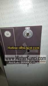 Ahli Kunci Brandkast Panggilan di Srondol Kulon, Banyumanik, Semarang hubungi 0896-5639-3339