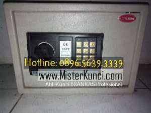 Ahli Kunci Brandkast Panggilan Profesional Terpercaya di Tembalang, Tembalang, Semarang hubungi 0896-5639-3339