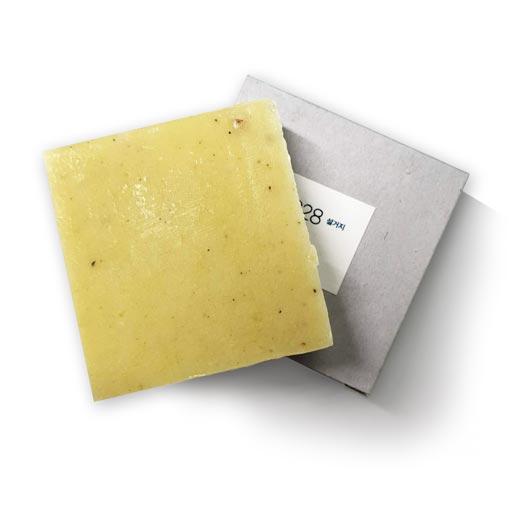 toun28 organic soap bar and box