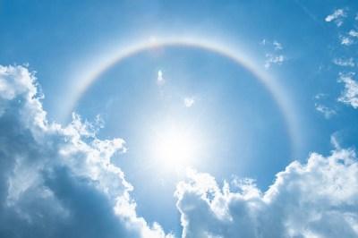 太陽を囲う虹の輪のスピリチュアルな7つの意味!「輪」のスピリチュアルな4つの意味も虹の輪を見た筆者が解説