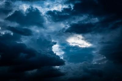 夜の夢の20個の意味!暗闇・雨・神社など状況別にスピリチュアル好きの筆者が深く解説!