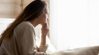 彼氏がいるのに寂しいはなぜ?原因や寂しい時のNG行動、5つの対処法まで恋愛マスターの筆者が解説