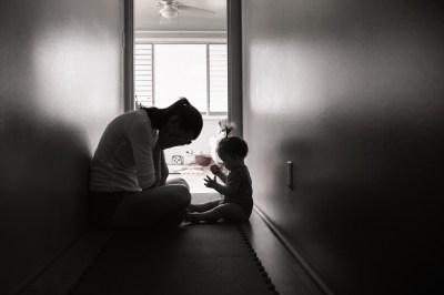 シングルマザーが不倫に走る7つの理由とは?既婚男性の心理や不倫における注意点まで恋愛マスターの筆者が解説!