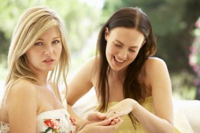 嫉妬される人のスピリチュアルな5つの意味とは?嫉妬されやすい人の特徴や回避方法も嫉妬をうまくかわしてきた筆者が解説します