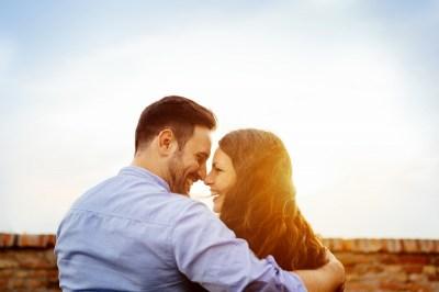 不倫が楽しい理由7選!長続きさせているカップルの特徴や待ち受けているリスクまで恋愛マスターの筆者が解説!