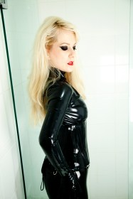 mistress serena domination slaves submissives