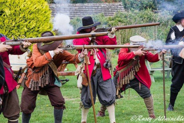 17th Century Soldiers Muskests and Matchlock