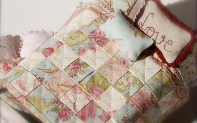 Colchas de patchwork para casas de muñecas