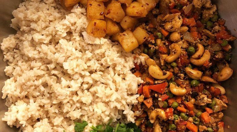 Vegan Pineapple Fried Rice w/tofu