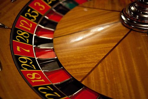 (与太話)カジノのディーラーはルーレットの目を狙える?