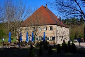Ausgangspunkt für die Wanderung Nr. 8 bei Hilpoltstein ist die Gaststätte Fuchsmühle bei Unterrödel
