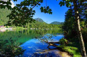 Eines der schönsten Motive im Berchtesgadener Land ist der Hintersee bei Ramsau