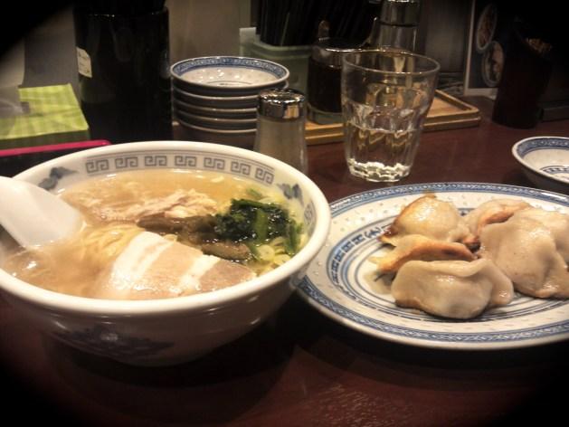 りょう華 上海半湯麺+焼き餃子セット