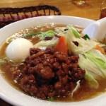 萬里鮮(バンリセン)でタンツー麺 肉そぼろ麺が美味い