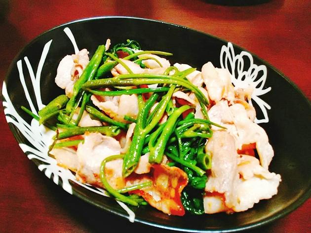 空芯菜と豚バラ炒め