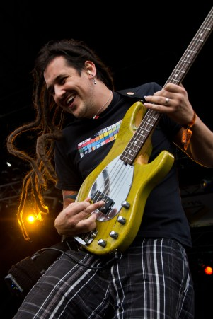 Roger from Less Than Jake doing a great walking bass solo.