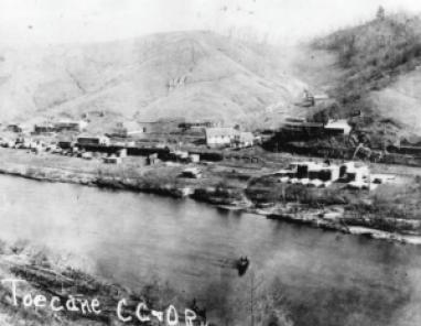 The bustling community of Toecane in 1910.