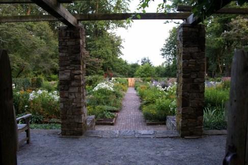 Cross Estate Gardens