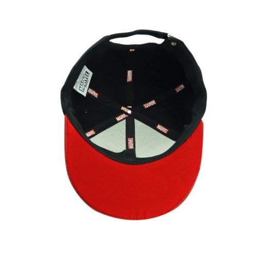 Cappello con visiera stampata Marvel interno