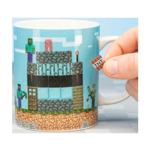 Tazza con adesivi Minecraft dettaglio tazza senza adesivi dettaglio